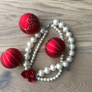 Jewelry - Pearl necklace - costume jewelry